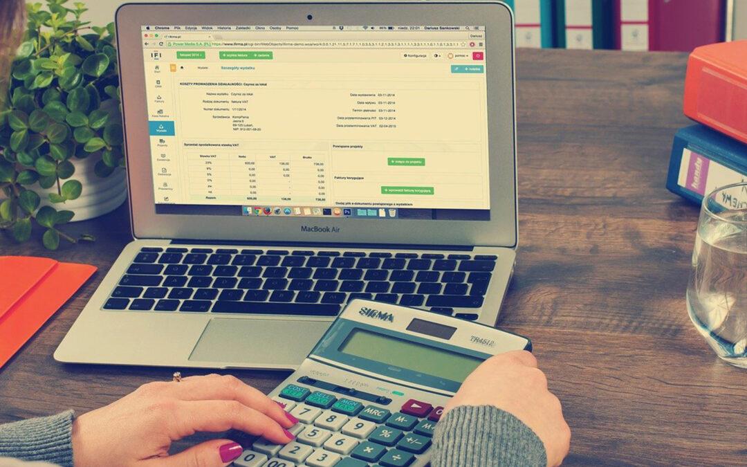 Jak wprowadzić strategię niskich cen w sprzedaży online